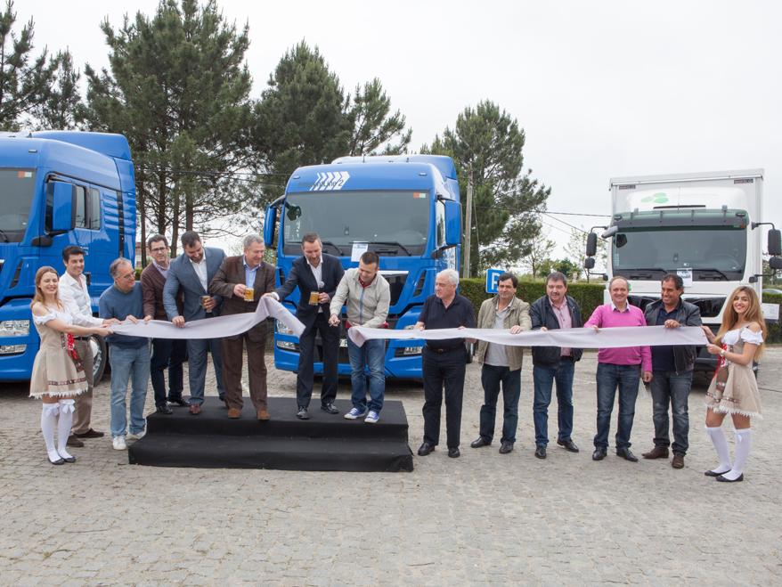 man truck  u0026 bus inaugura instala u00e7 u00f5es renovadas no porto